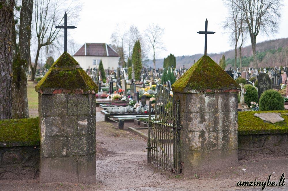 Kartenos kapinės - 001