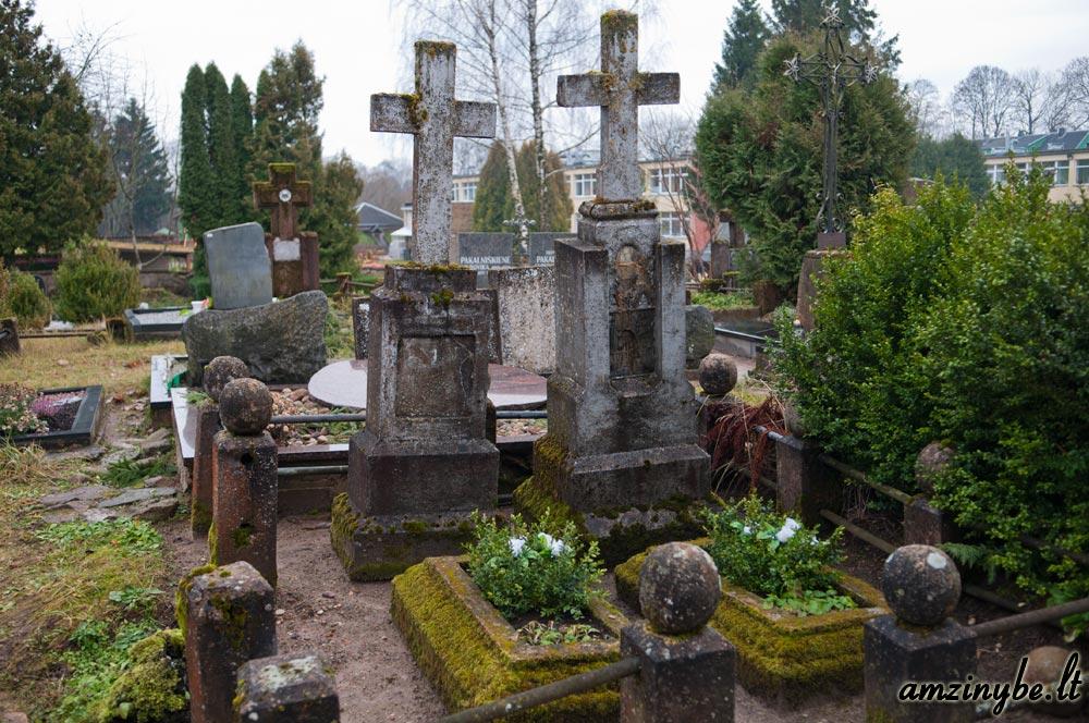 Plungės senosios kapinės - 002