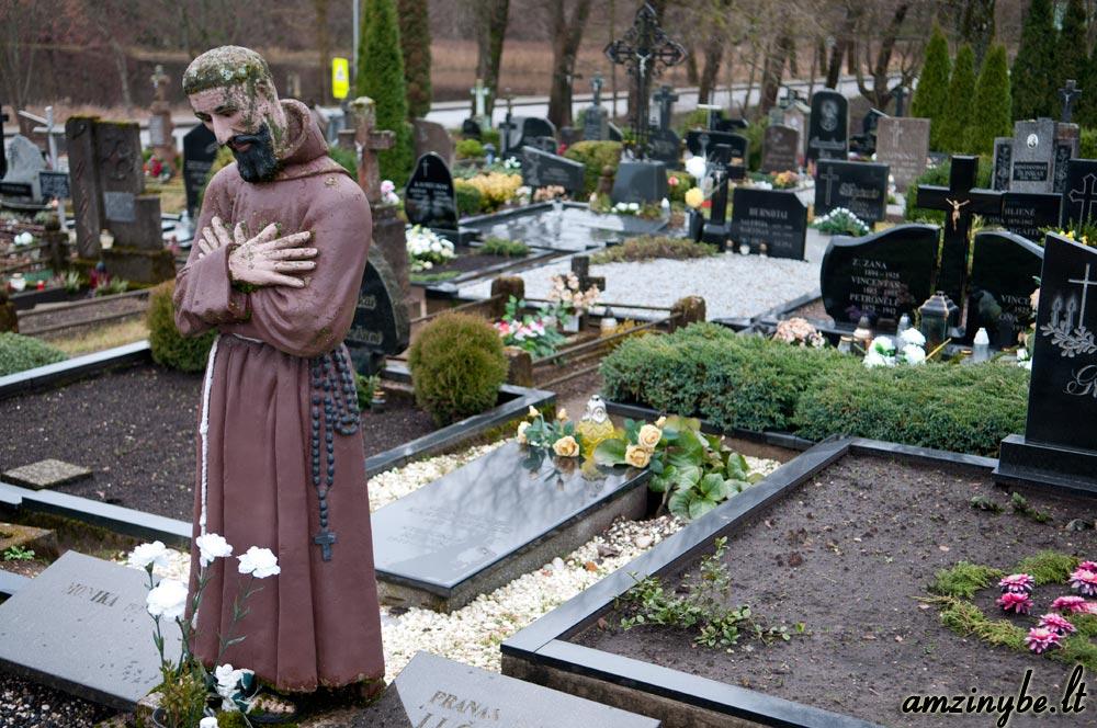Plungės senosios kapinės - 004