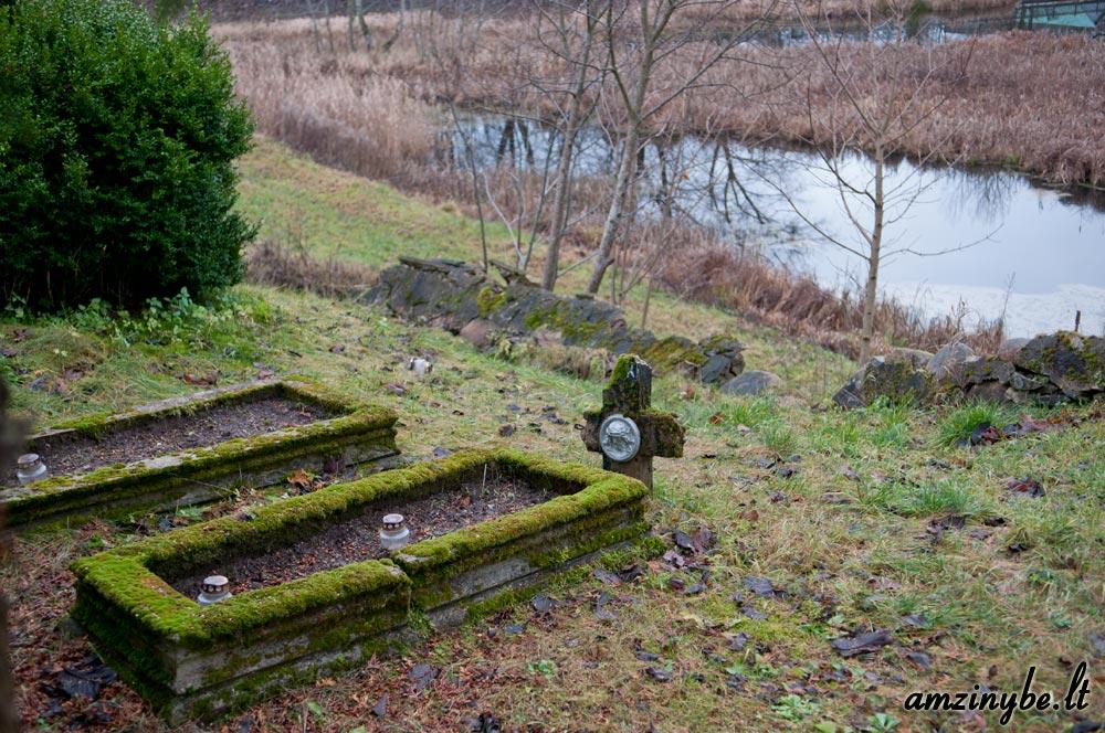 Plungės senosios kapinės - 008