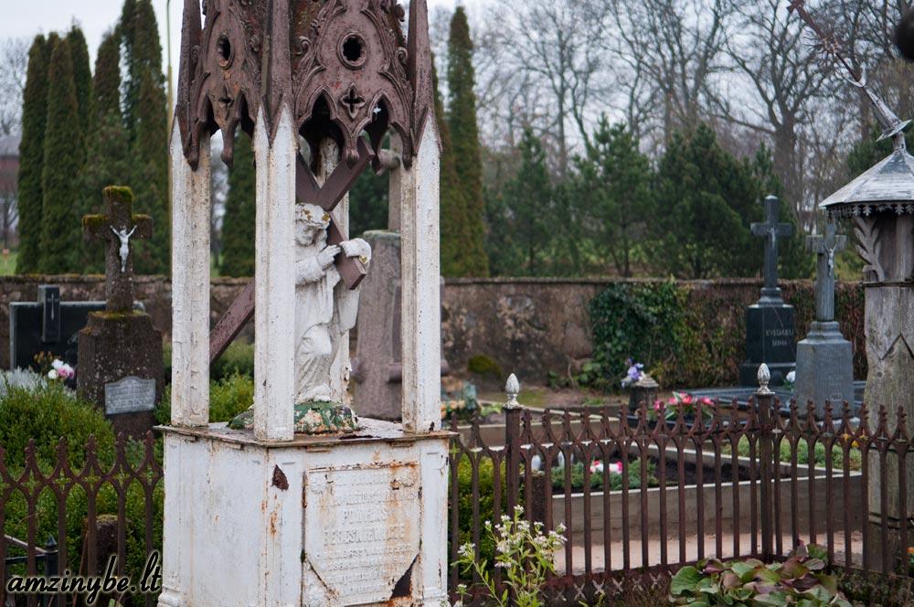 Plungės senosios kapinės - 012