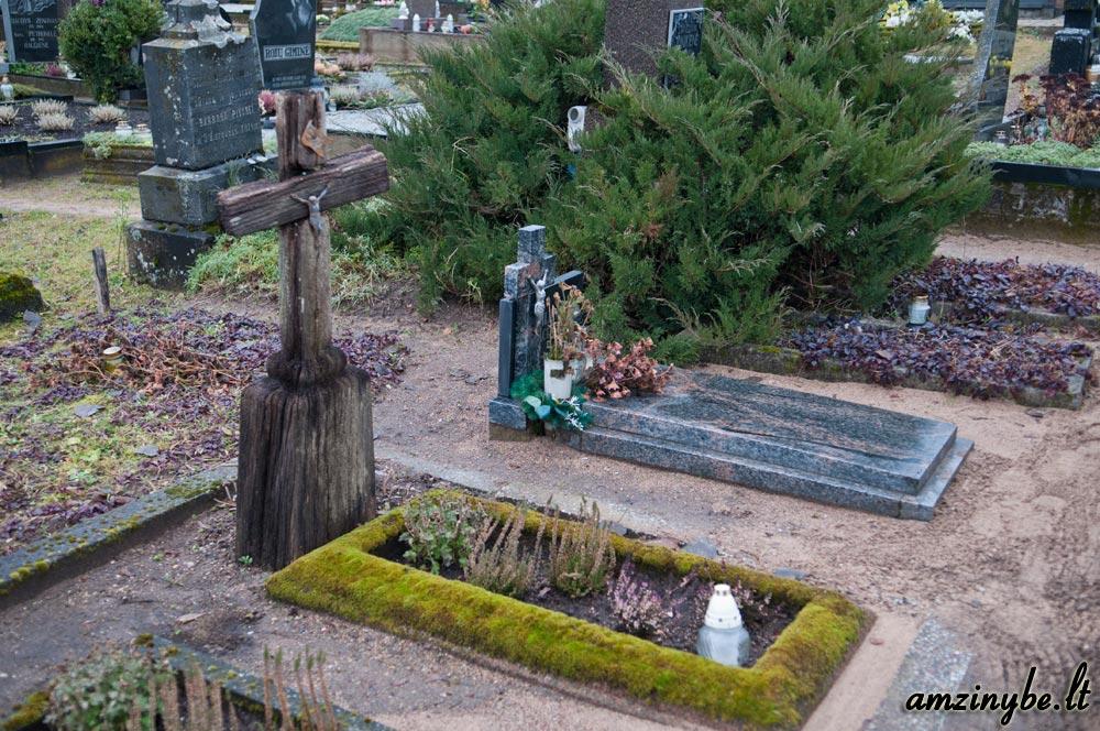 Plungės senosios kapinės - 017