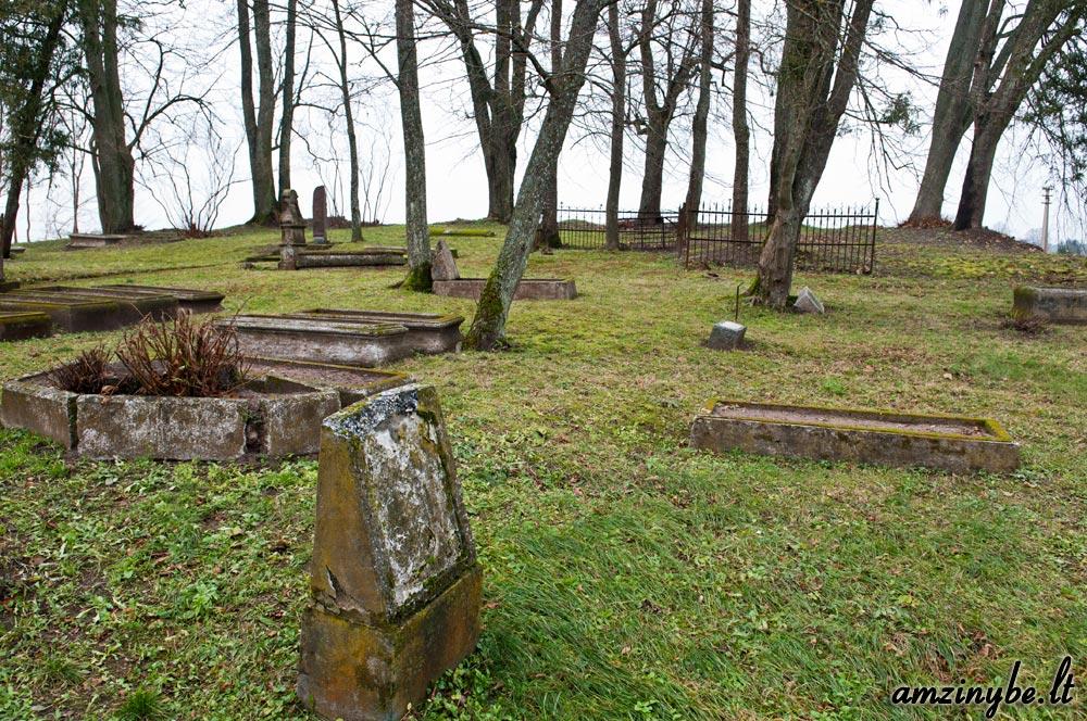 Priekulės senosios kapinės - 002