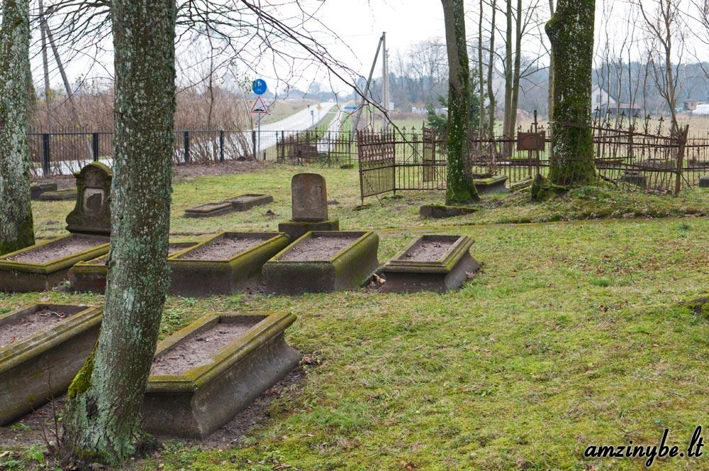 Priekulės senosios kapinės - 004