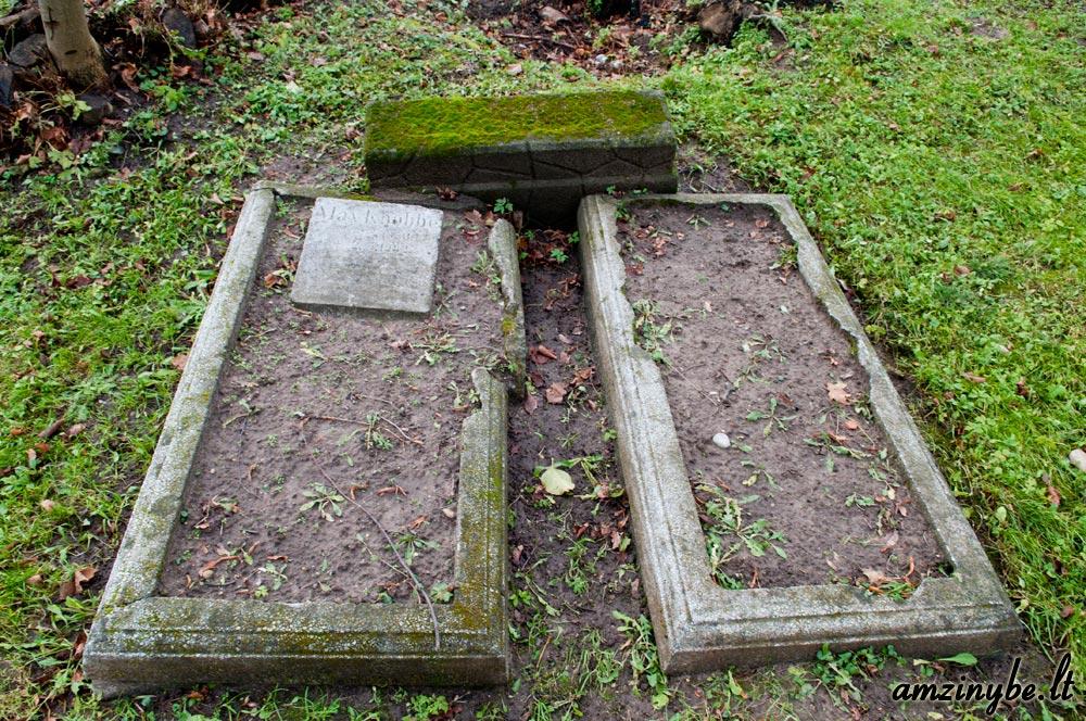 Priekulės senosios kapinės - 005