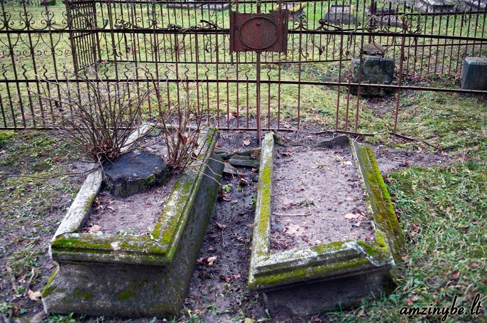 Priekulės senosios kapinės - 007