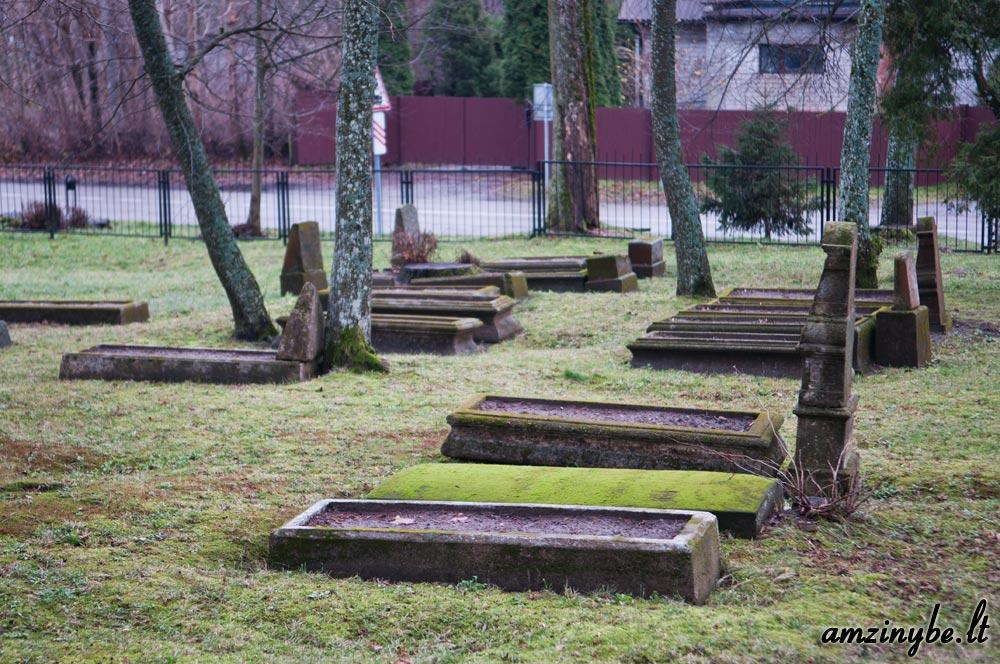 Priekulės senosios kapinės - 008