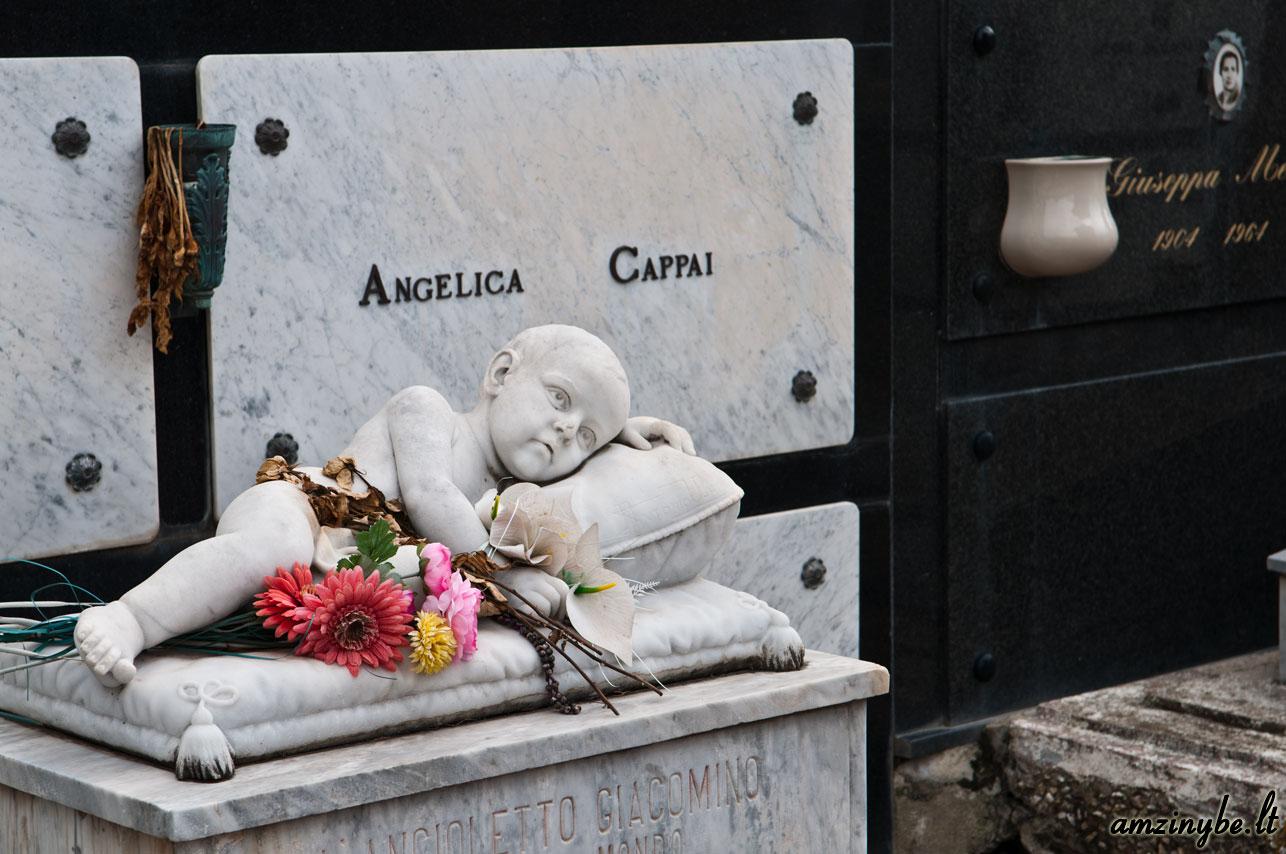 Sardinijos salos kapinės, Italija - 003