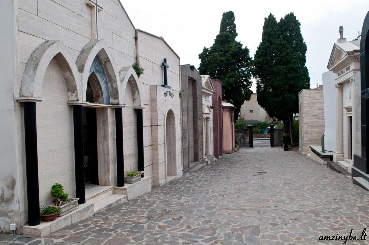 Sardinijos salos kapinės, Italija - 008