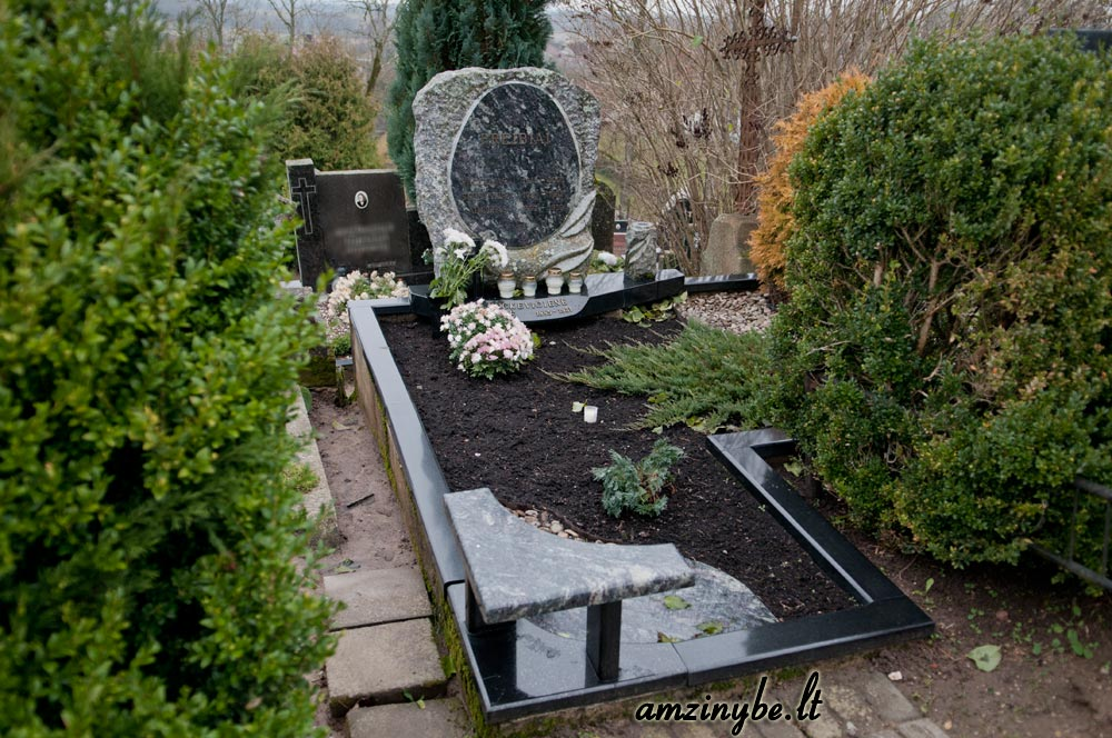 Žemaičių Kalvarijos kapinės - 002